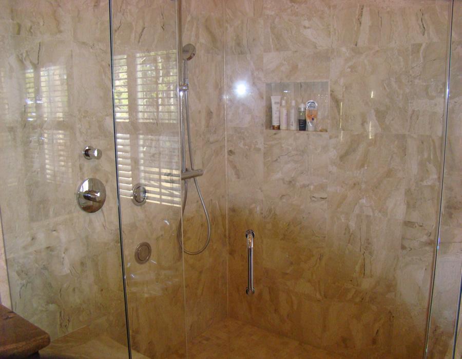 Travertine tile bathroom amazing travertine tile bathroom for Travertine tile bathroom ideas